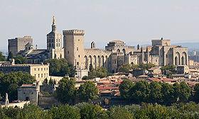 Le centre historique autour du palais des papes.