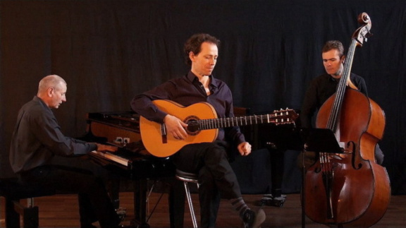 Yannick Lebossé trio : Le swing d'Ella à la Cave du 38Riv'