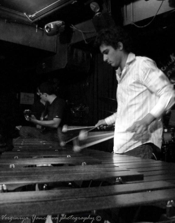 Viktor Benev, Arthur Decloedt & Simon Bernier trio à la Cave du 38Riv'