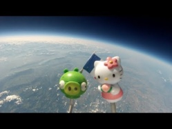 Nos jouets dans l'espace (bad piggies et kitty)