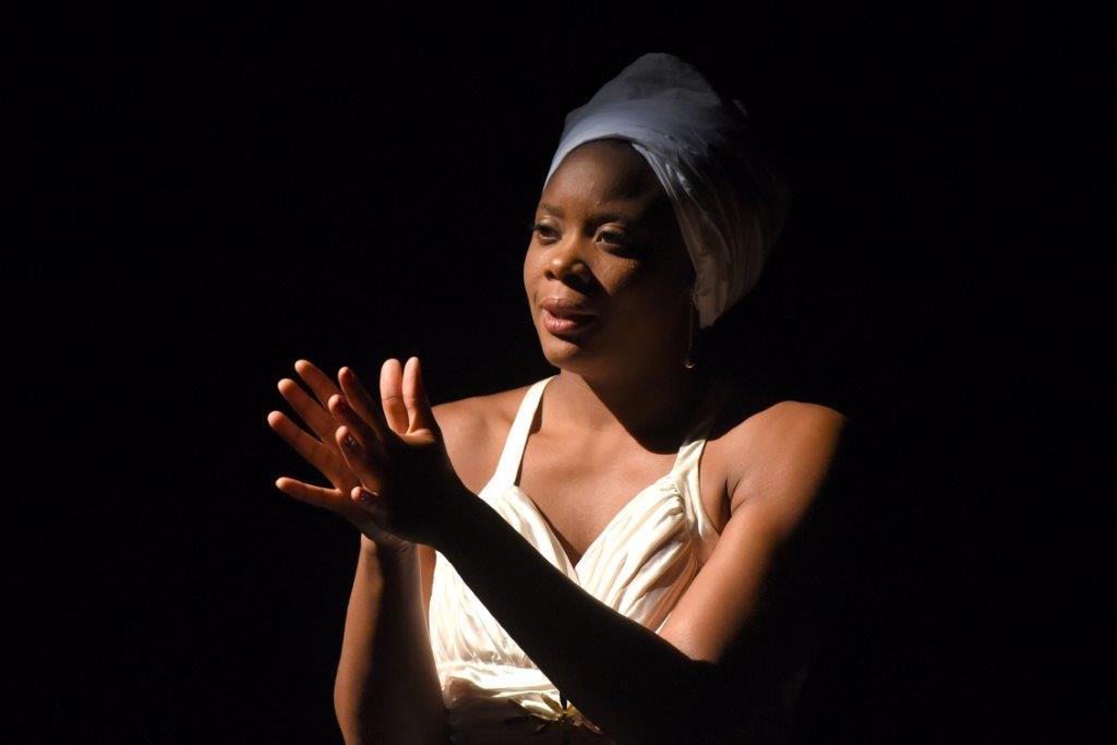 Portrait de Ludmilla en Nina Simone au théâtre de Villefranche