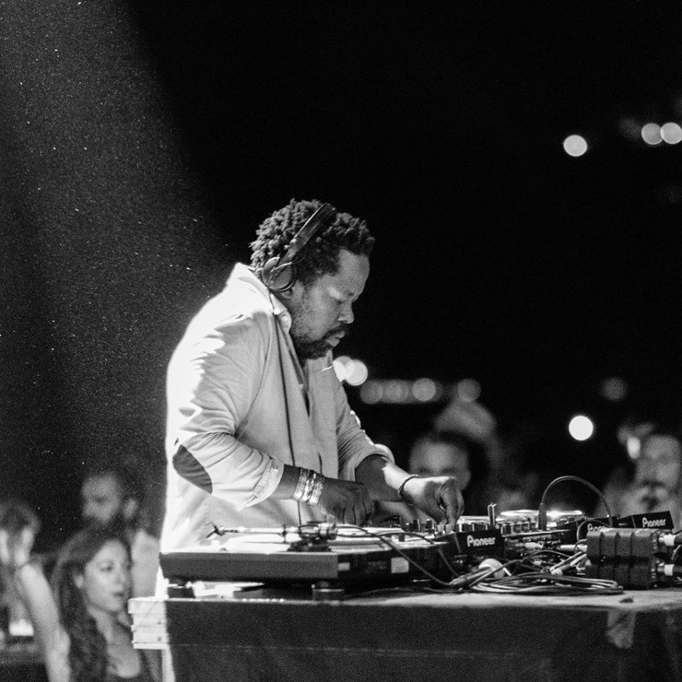 Mo Laudi fait danser avec le titre Dance Inside of You feat Rocky