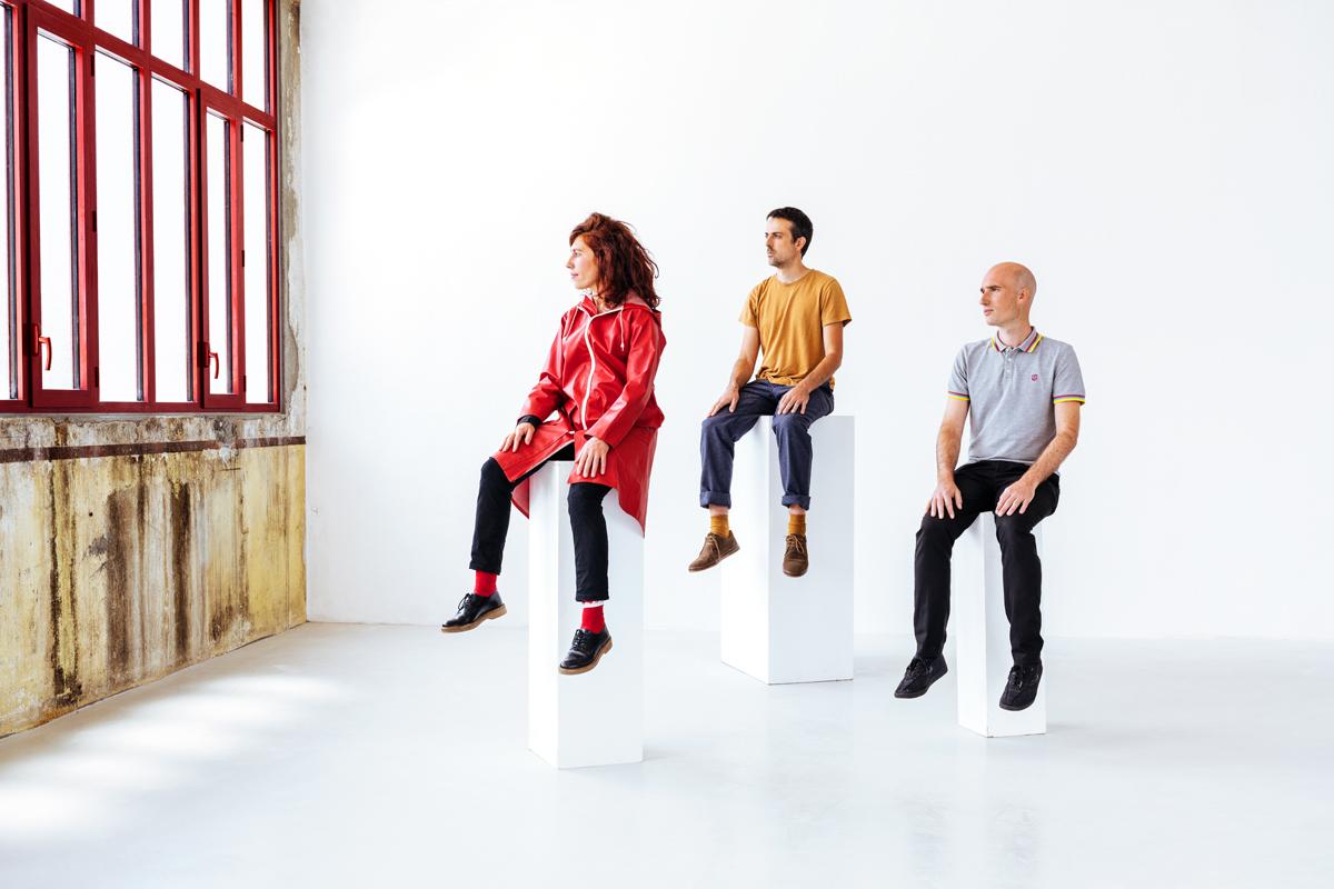 Rouge fait s'envoler le piano avec l'album Derrière les Paupières