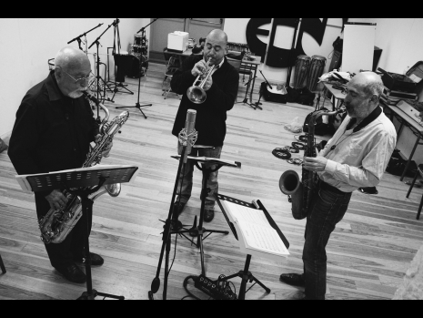 les Belmondo, enfin un premier album Mediteranean Sound en famille
