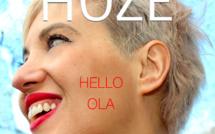Hoze sort un clip très joyeux Hello Ola