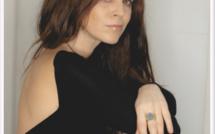 Eva Marchal chante contre les violences avec Au bout du couloir