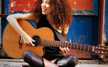 Flavia Coelho vers le succès de l'album Mundo Meu